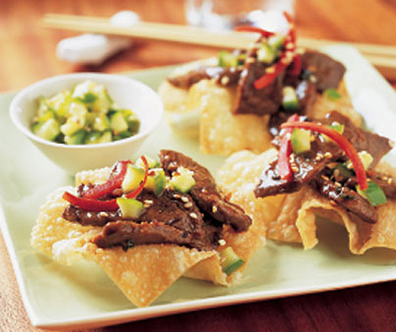 Sesame-Soy Steak Stir-Fry on Wonton Crisps | Minnesota Farmers Feed US